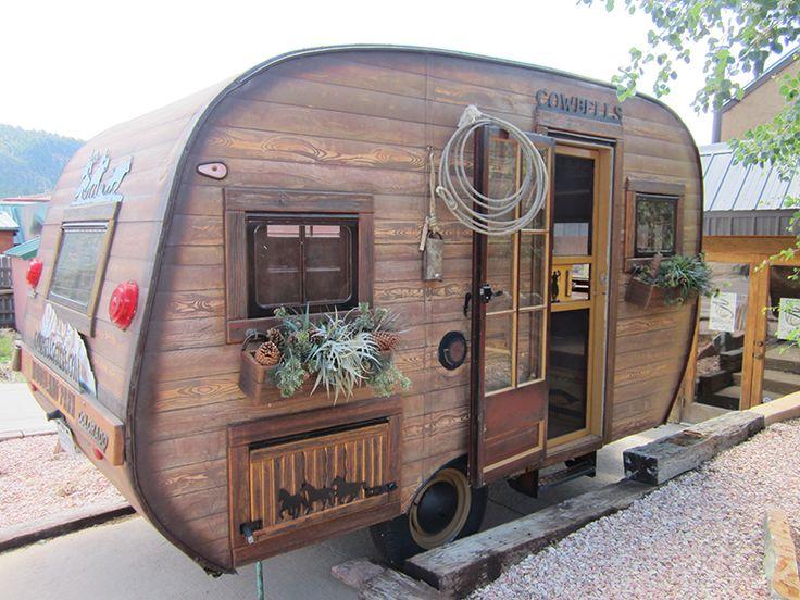 23 RVs That Look Like Log Cabins - RVshare com