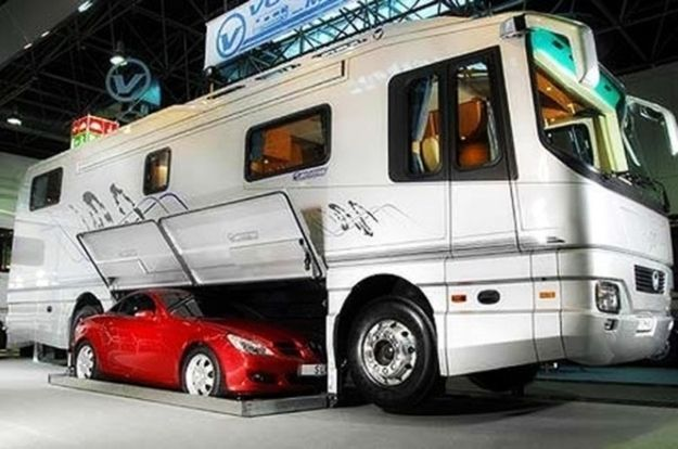 rv with car2