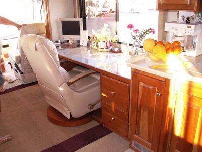 Desk-1b-786528
