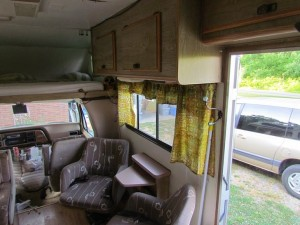 Entranceway-and-sitting-area-in-a-Class-C-motorhome