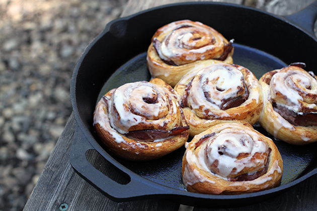 Bacon-Stuffed-Cinnamon-Buns