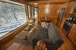 Mobile-Escape-Cabin-