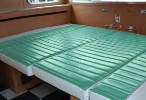 Shasta_Airflyte_2015_1961 seafoam green dinnete bed