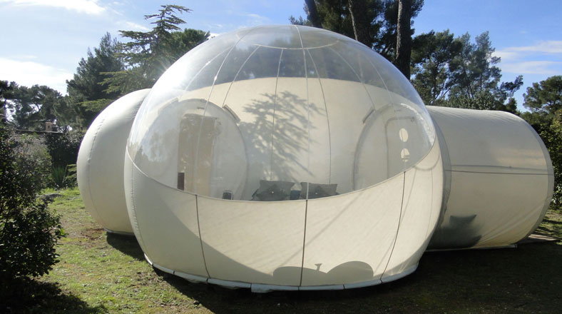 The mostly transparent bubble room