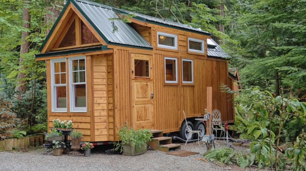 Tiny-House-Kerry-Alexander-Hope-Island-Cottages-Washington-Exterior-Humble-Homes