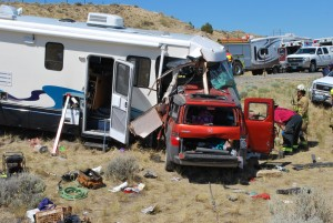 head-on-motorhome-crash-involving-an-SUV