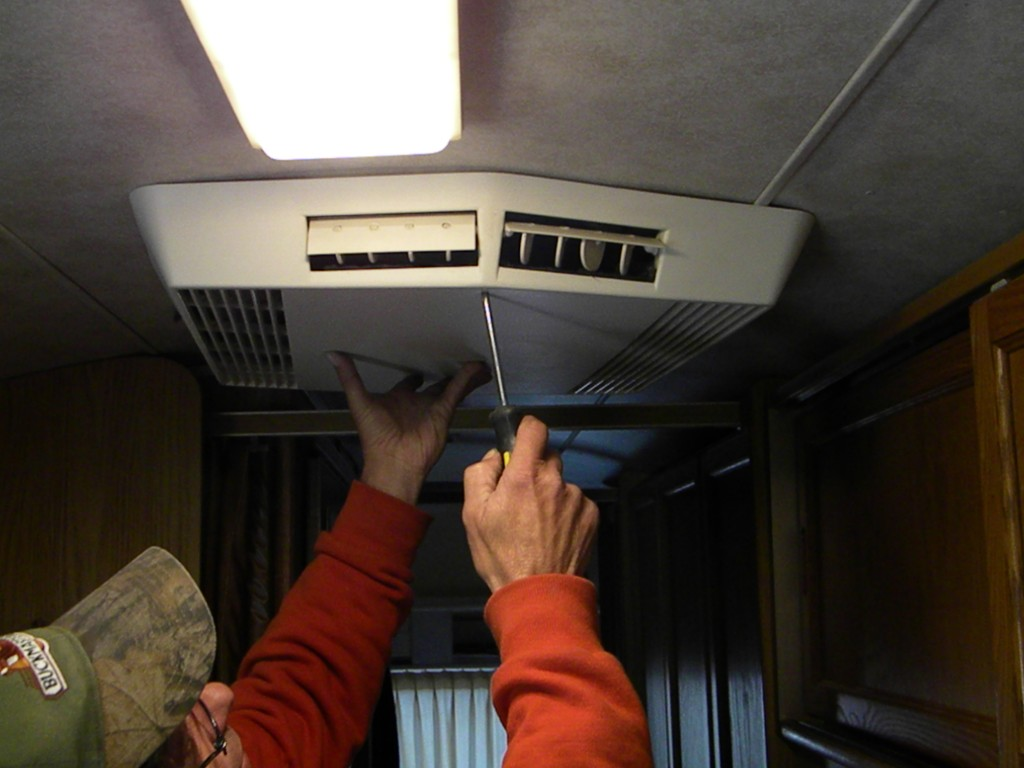 RV Air Conditioner Repair: TIPS & TRICKS - RVshare com