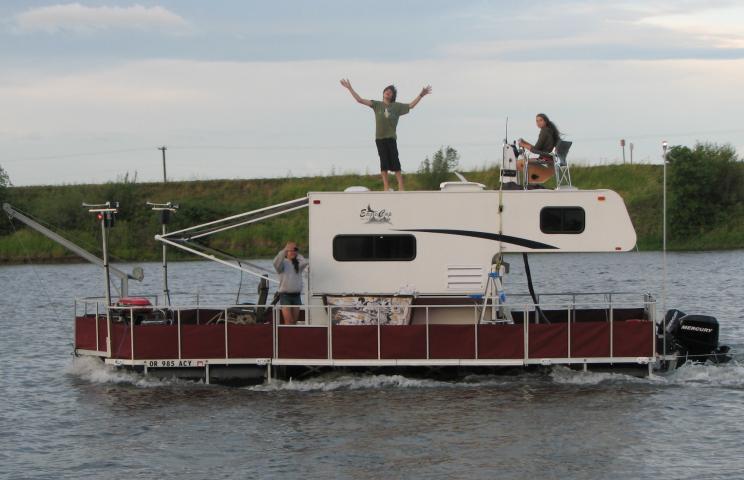 rv-boat-10