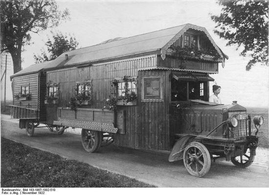 09 1922-Motorhome