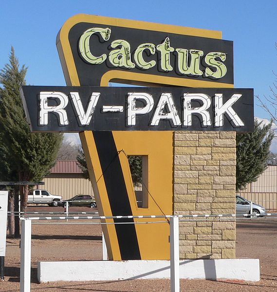 569px-Cactus_RV_Park_(Tucumcari,_NM)_sign_from_W