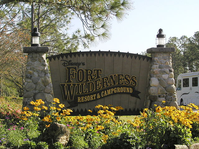 640px-Disney's_Fort_Wilderness_Resort_and_Campground_sign