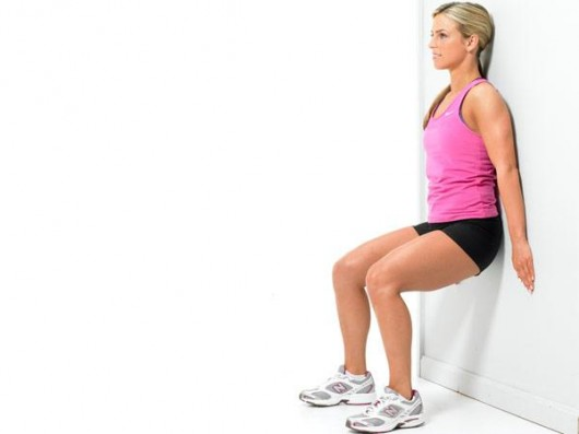 Bodyweight-Wall-Squat