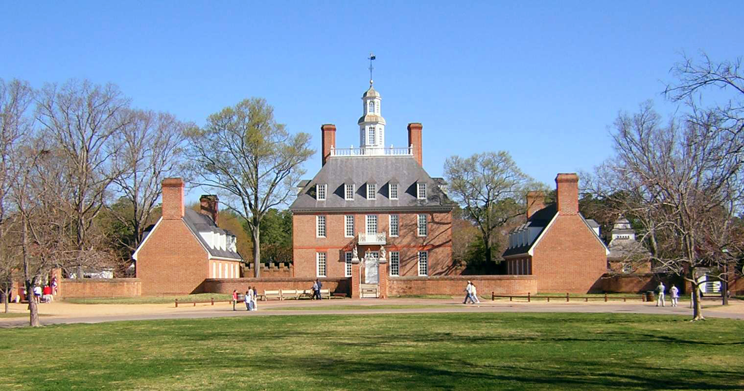 Colonial_Williamsburg_Governors_Palace_Front
