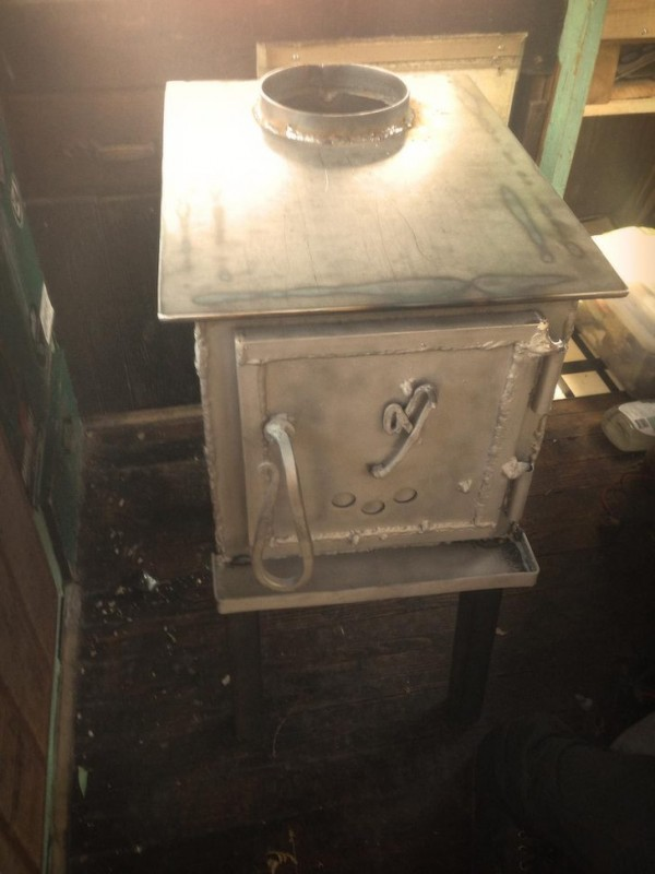 Cud-made-his-own-wood-stove