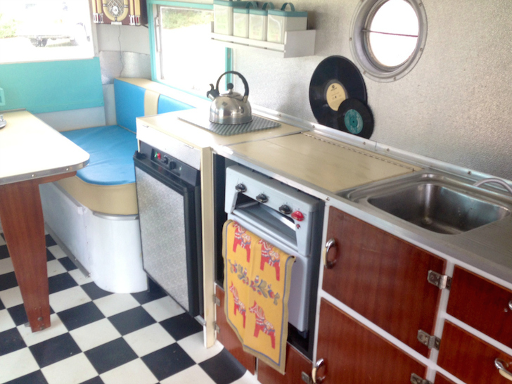 Inside-a-1955-CARAPARK-Hunter-Sixteen-Two-caravan