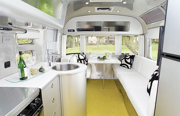 Tesla-Mobile-Home-Interior