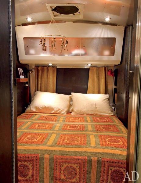 matthew-mcconaughey-airstream-bedroom