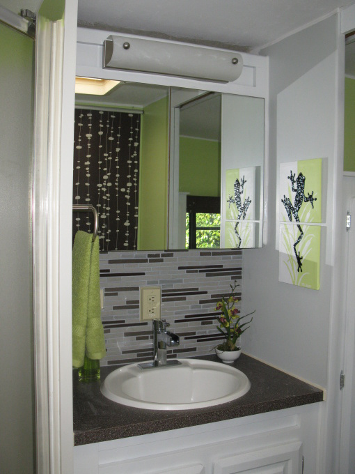 modern-rv-bathroom-design