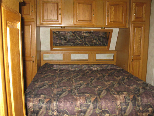 modern-rv-bedroom-before-photo