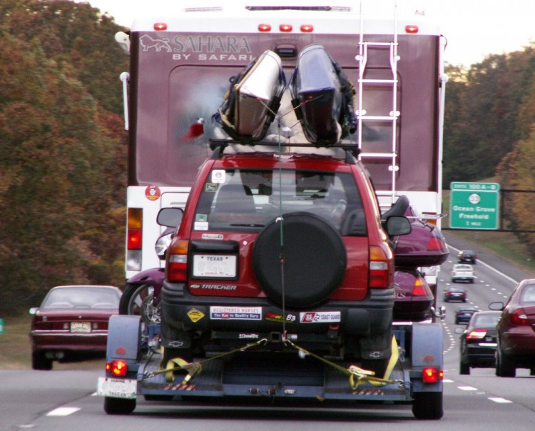 rv-motorhome-tow-trailer