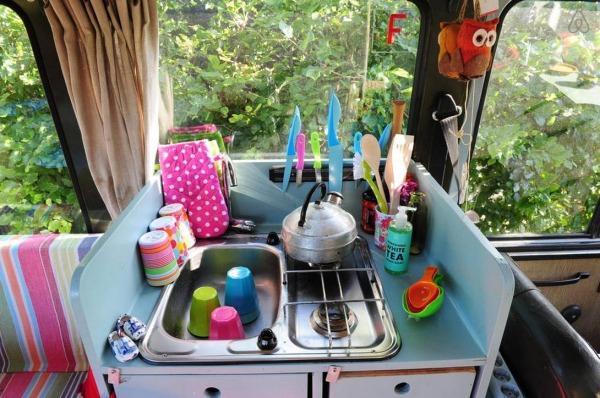 surf-bus-cozy-camper-van-006-600x398