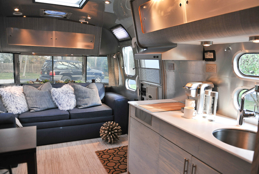 54eb906e301a9_-_luxury-camper-xln