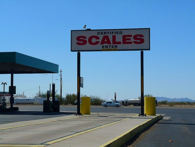 scales-1