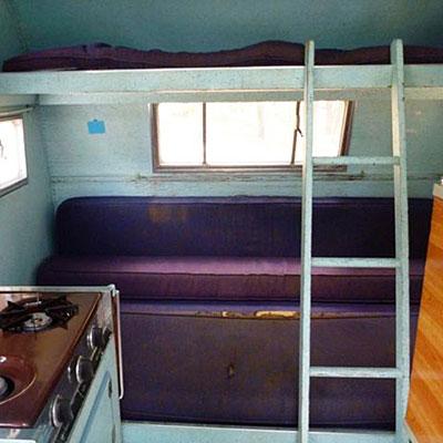 trailer-travel-scotty-hilander-bedroom-before-0812-m