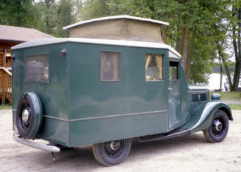 1937_ford_house_car