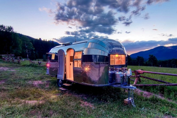 Airstream-Flying-Cloud-Travel-Trailer1