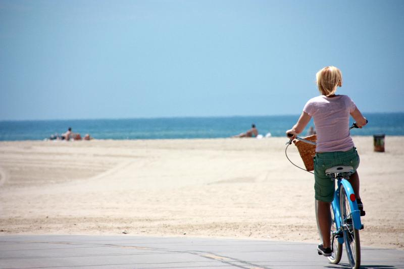 Summer_Cycling_Venice_Beach