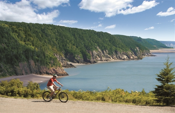 biking_the_fundy_trail_parkway
