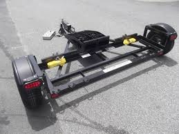 A Comprehensive Guide to Choosing The Right RV Tow Dolly