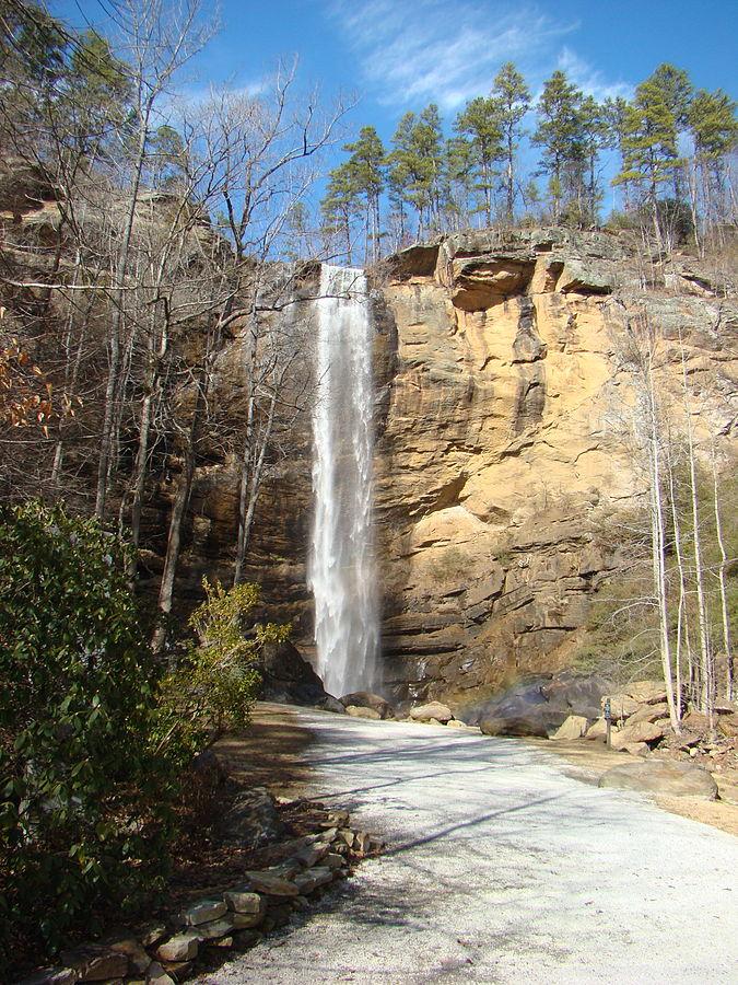 675px-Toccoa_Falls,_Georgia3