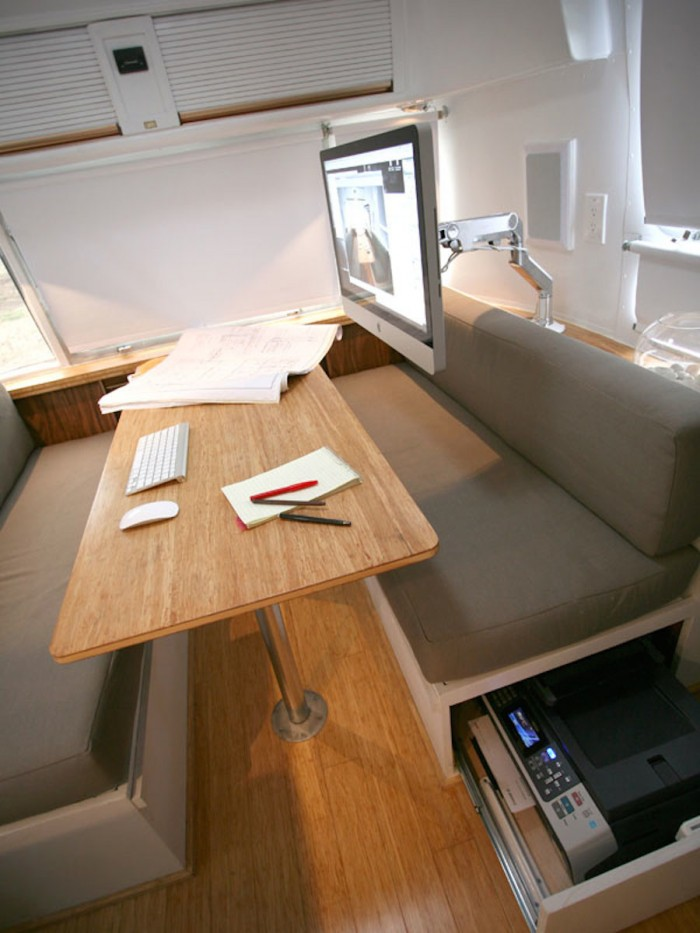 Workspace-and-lounge