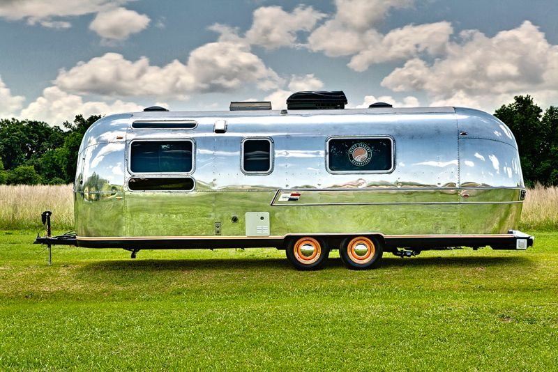 airstream-acupuncture_outside