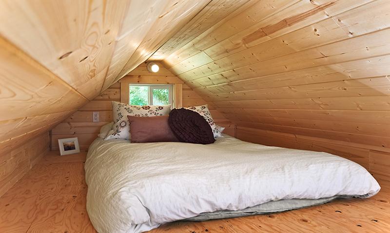poco sleeping loft