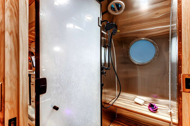 vintage airstream bathroom 2